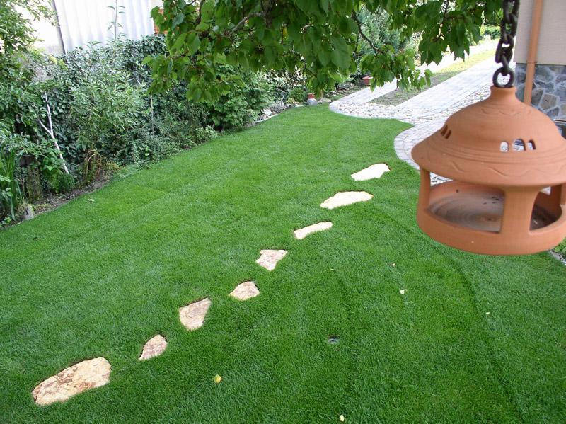 Kameň v záhrade